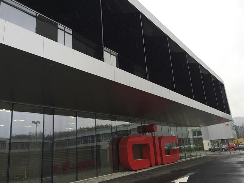 Cubierta y fachada Kalzip Automotive Amorebieta