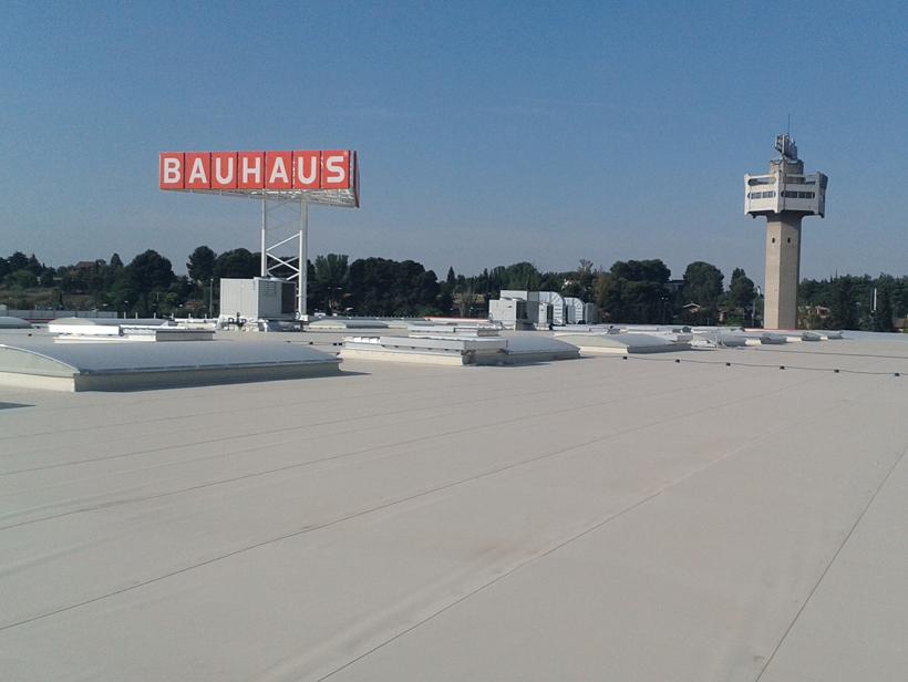 Bauhaus zaragoza covertia envolventes for Horario bauhaus zaragoza